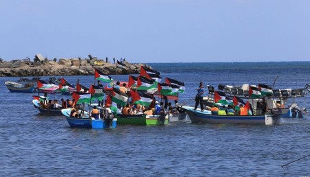 1527496083_palestinian-fisherman-rally-on-their-boats-in-gaza-in-support-of-the-freedom-flotilla-iii